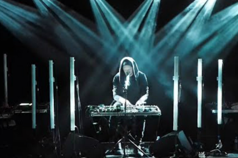 SOHN - UK, EU and North American Shows, Debuts Video For 'Lights', Spotify Session
