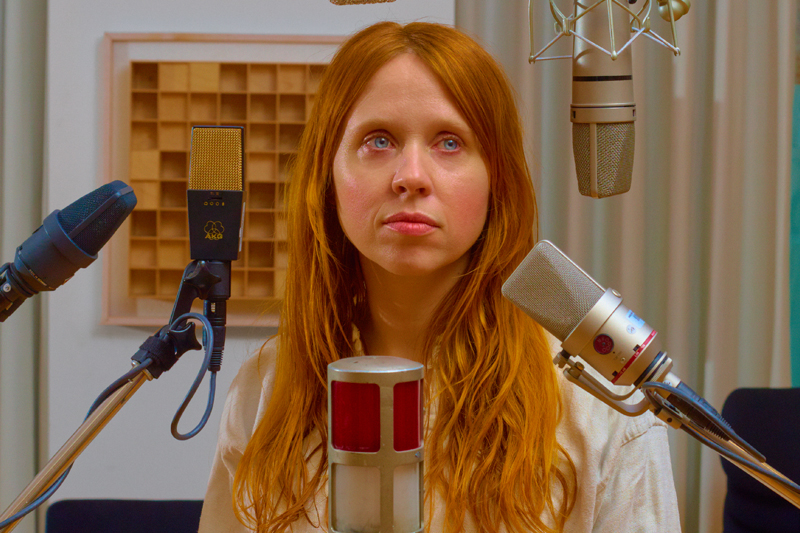 Holly Herndon - sharesnewsongvisualforfrontier